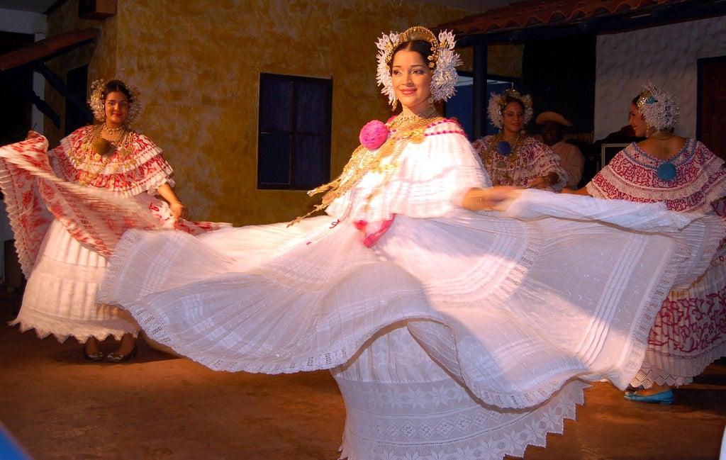 Baile típico de Panamá
