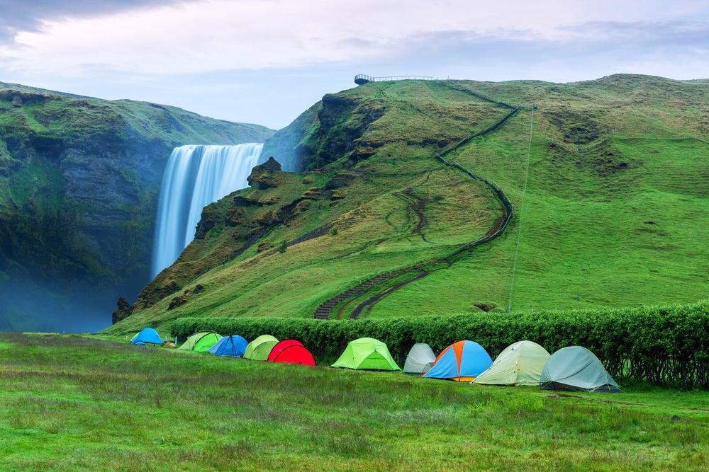 Camping en Skogafoss en Islandia