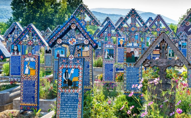 El alegre cementerio de Sapanta en Rumanía