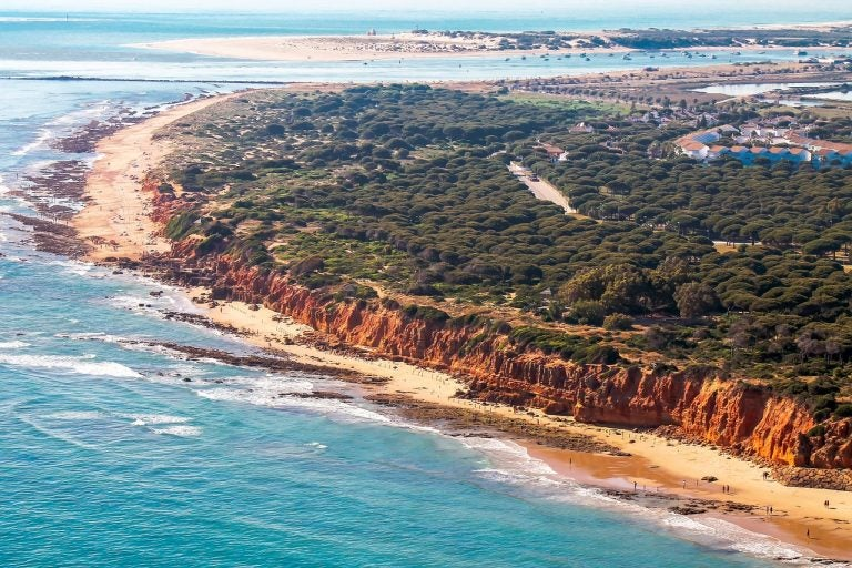 Playas nudistas de Cádiz, ¿cuáles son las más conocidas?