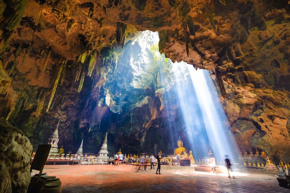 Cueva Kao Luang en Petchabury
