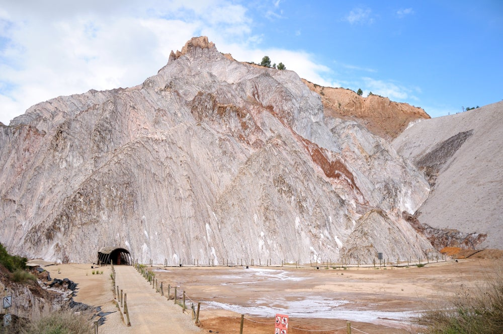 Entrada a las minas de sal de Cardona