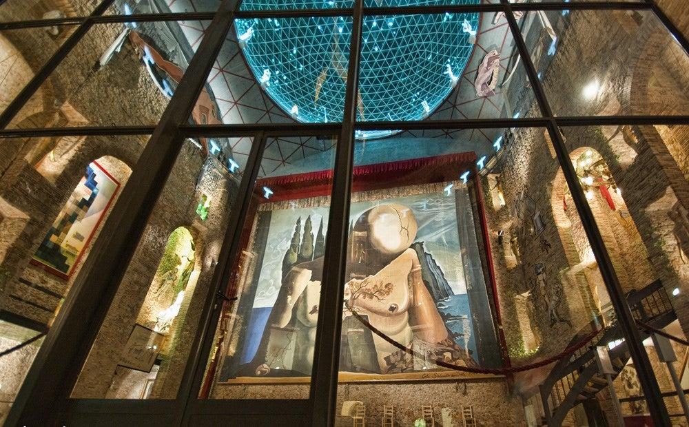 Escenario del Teatro-Museo Dalí