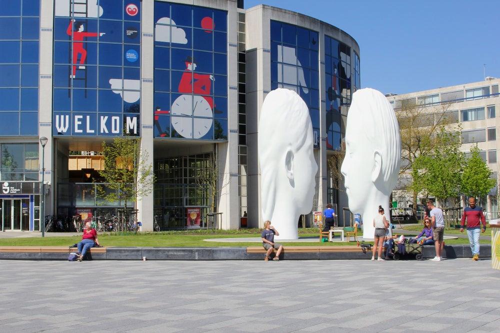 Esculturas de Jaume Plensa en Leeruwarden