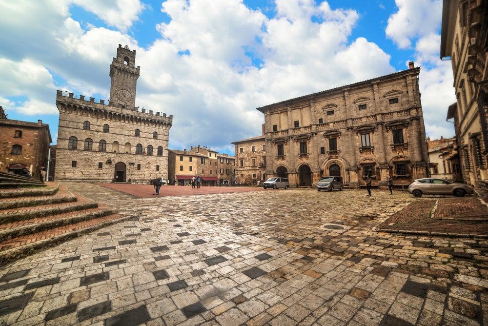 Piazza Grande de Montepulciano en la Toscana
