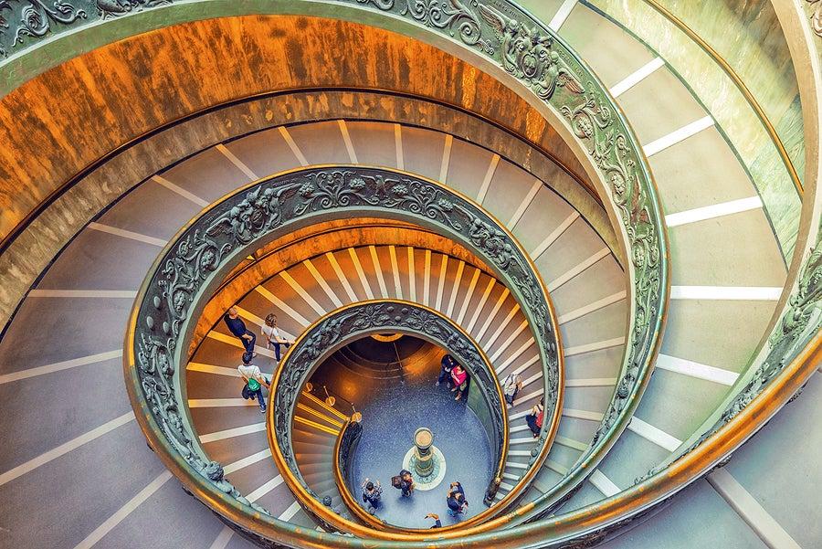 La escalera de Bramante es una de las bellezas de los Museos Vaticanos.