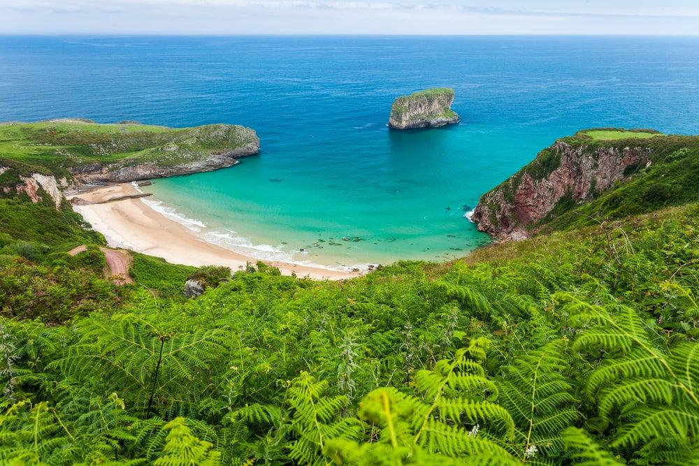 Disfruta de las playas del Cantábrico más bonitas