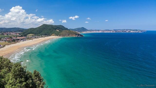 Playa de Berría en Santoña
