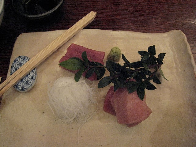 Sashimi en restaurante Donguri