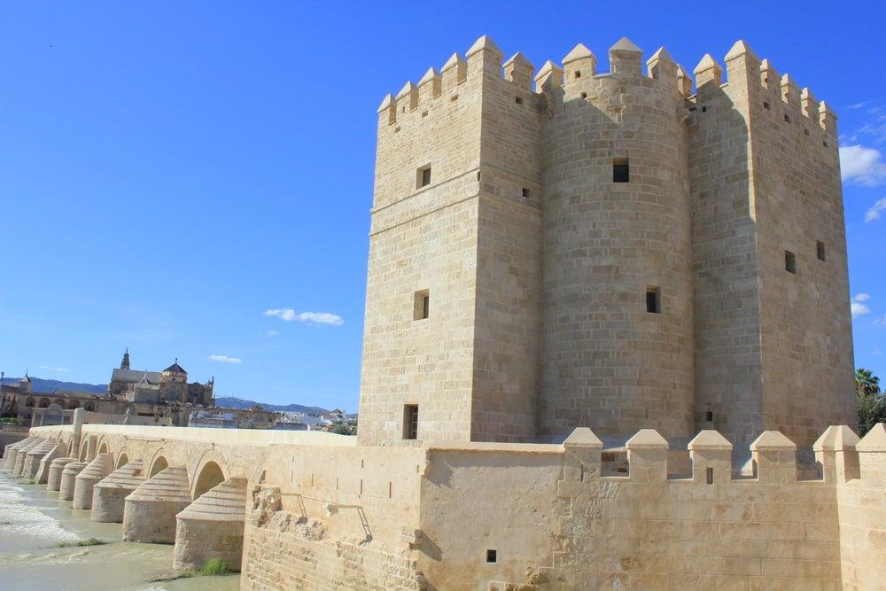 Torre de Calahorra en el puente romano de Córdoba