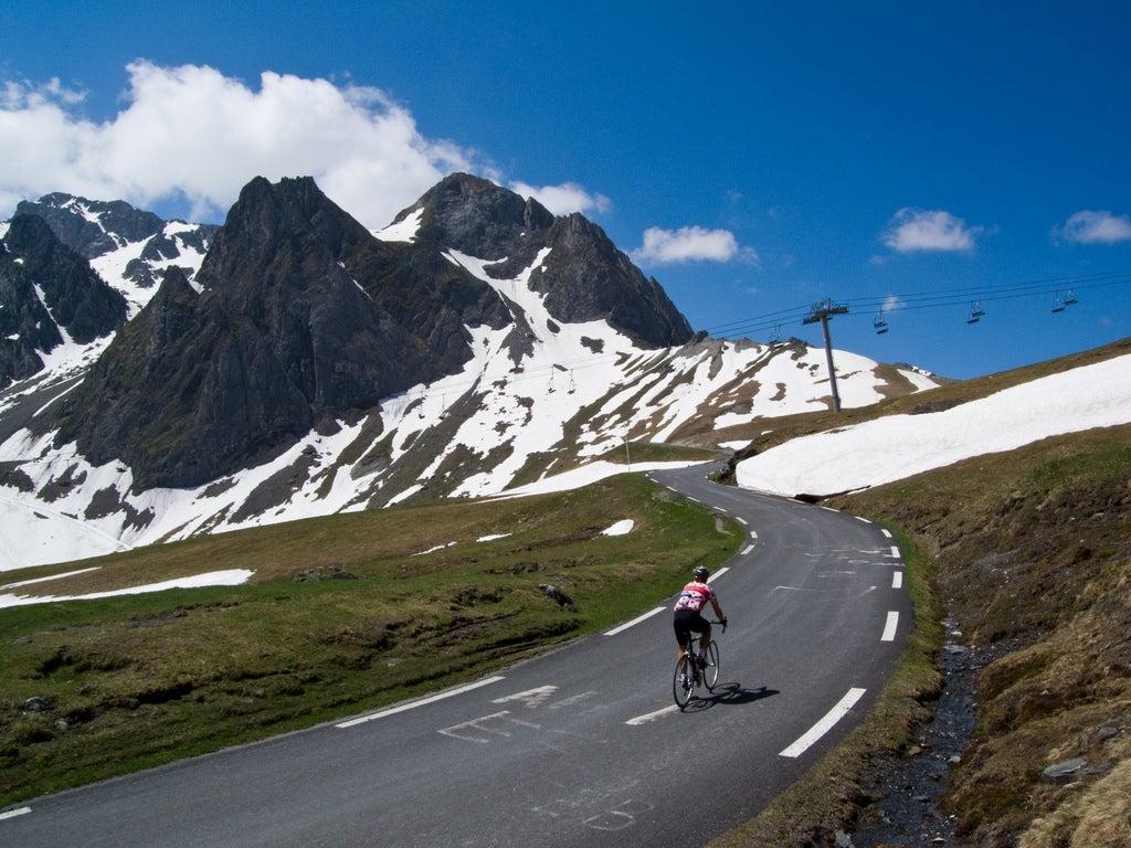 Ciclista en el Tourmalet
