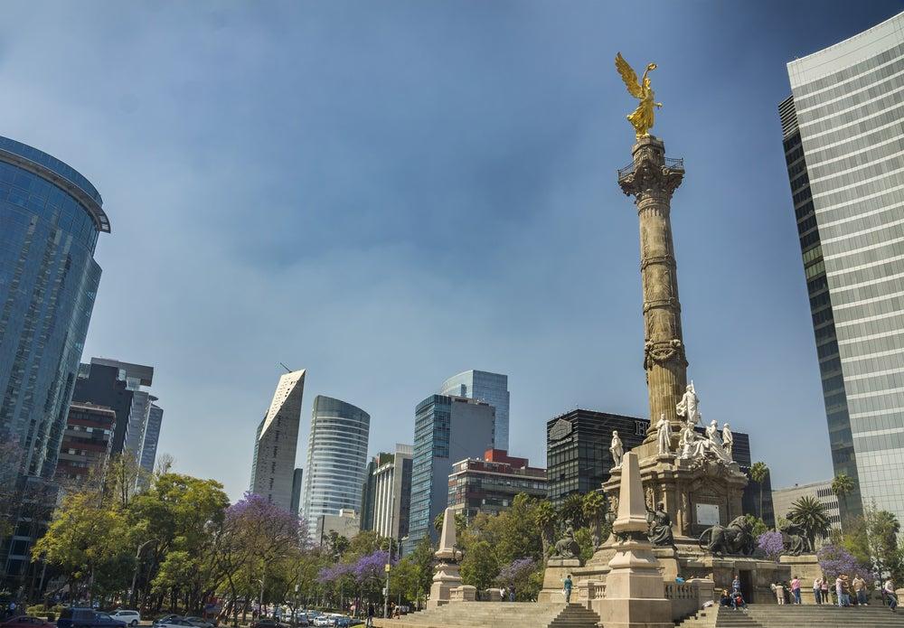 Ángel de la Independencia y avenida de la Reforma