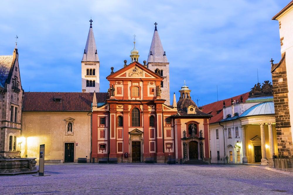 Basílica de San Jorge, para da al visitar el Castillo de PRaga