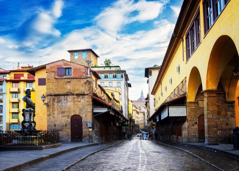 Las dos caras de Florencia: la del lujo y la de la mochila