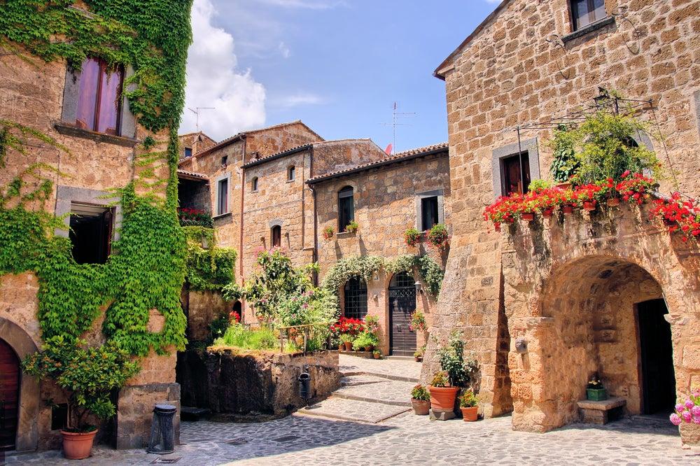 Calle típica en la Toscana