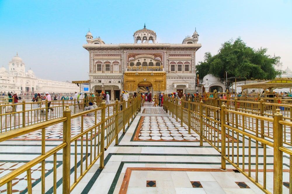 Entrada al Templo Dorado de la india