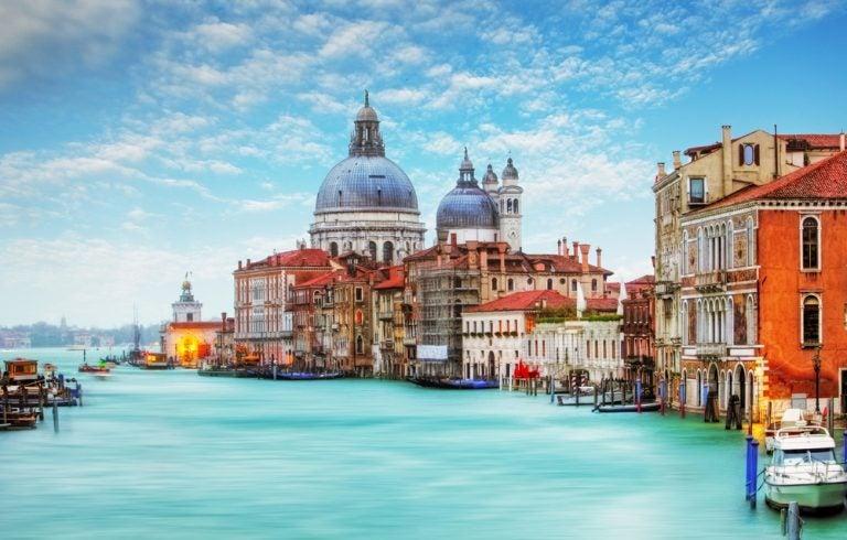 Sorprende a tu pareja con un San Valentín mágico en Venecia