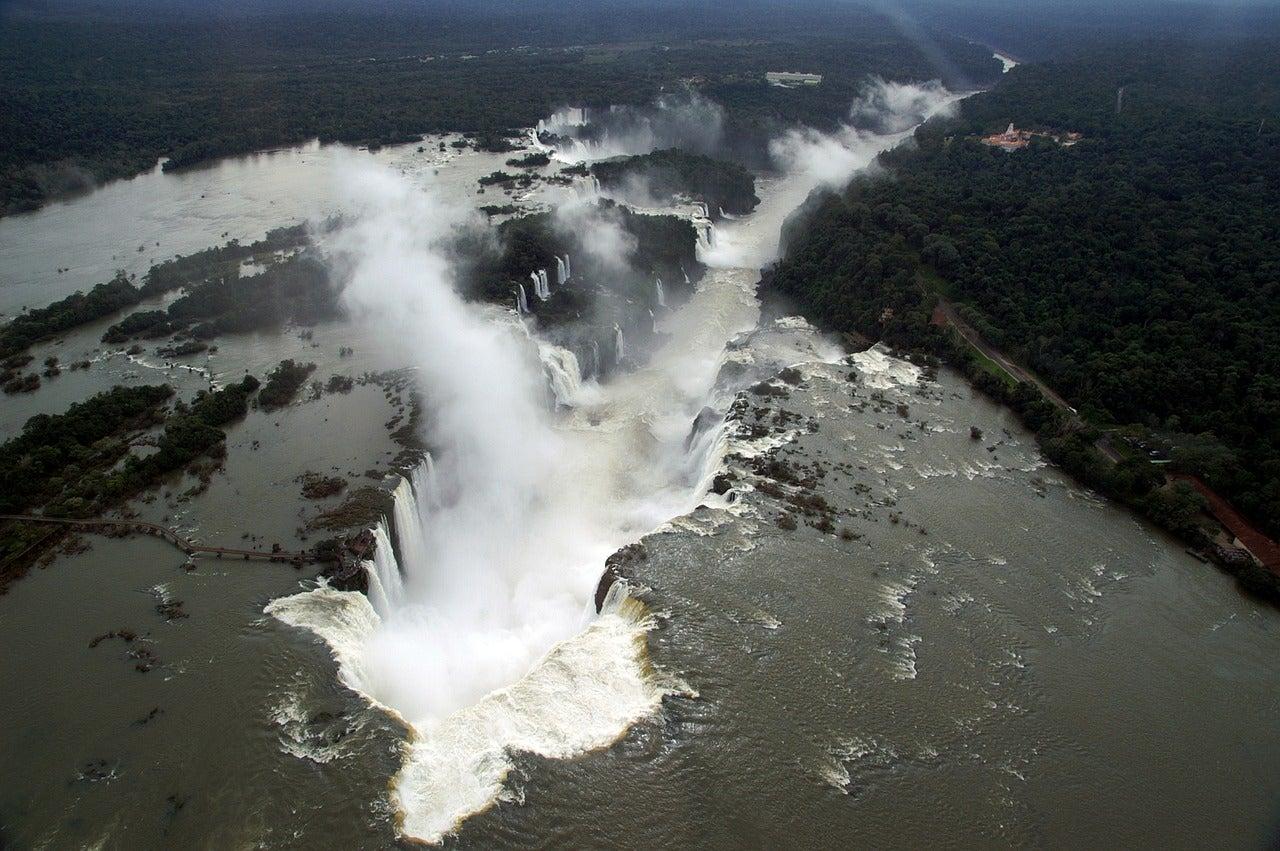 Vista aérea de las cataratas del Iguazú