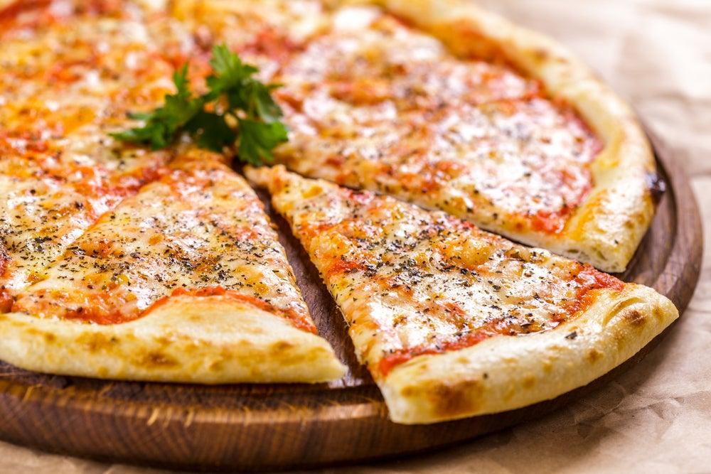Pizza, plato típico de la gastronomía del mar Mediterráneo
