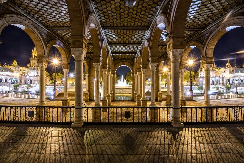 Plaza de España de Sevilla de noche