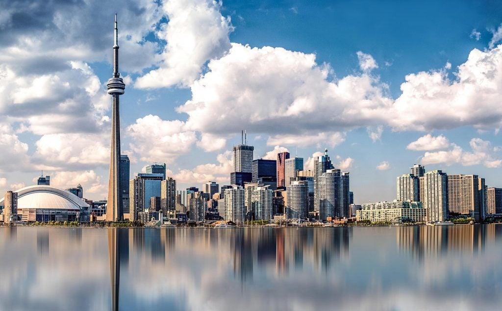 Torre CN: disfruta de Toronto a vista de pájaro