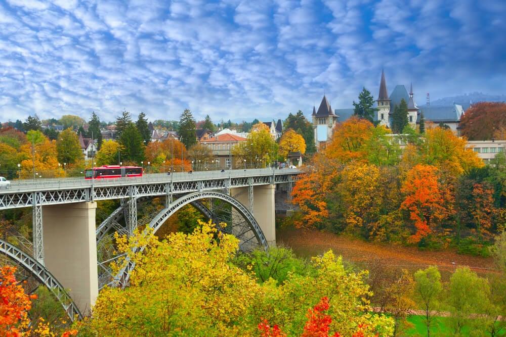 Vista de Berna en otoño