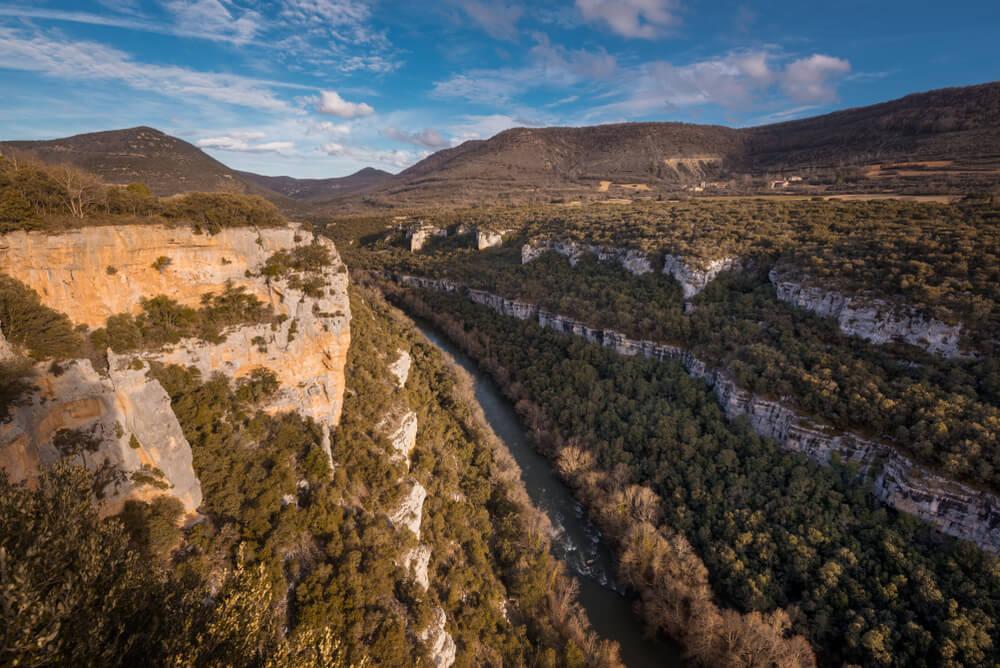 Cañón del río Ebro para hacer rutas de senderismo