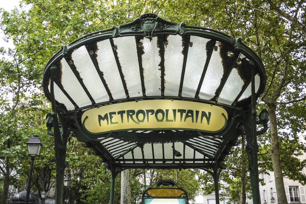 Entrada al metro de París