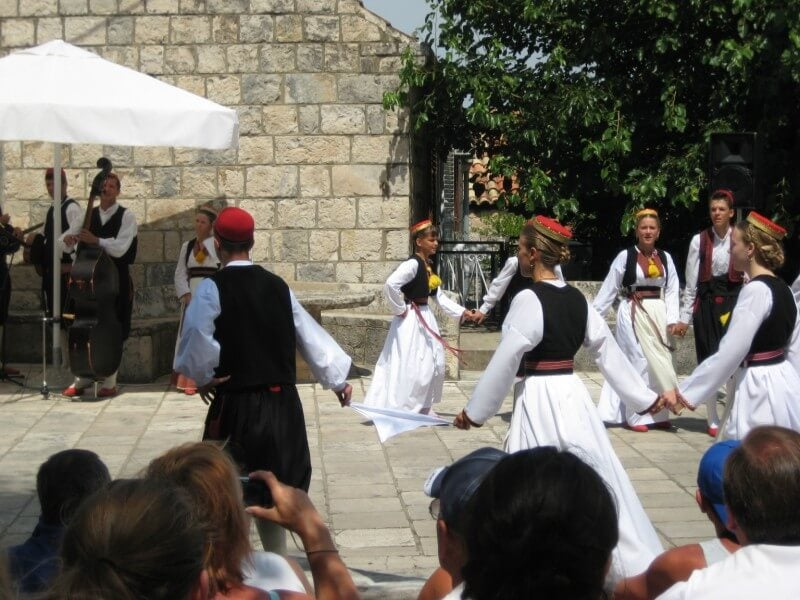 Festival folclórico en Cilipi