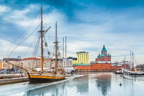 Helsinki, la capital de Finlandia a las orillas del Báltico