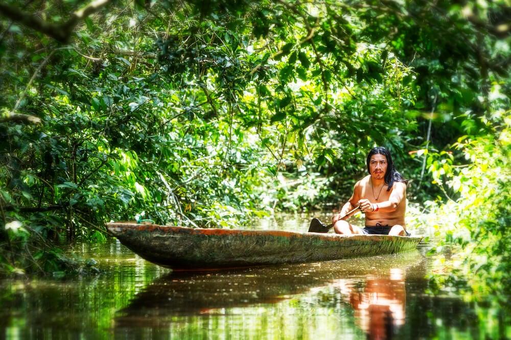 Indígena en la Amazonía, uno de los grupos étnicos de Latinoamérica