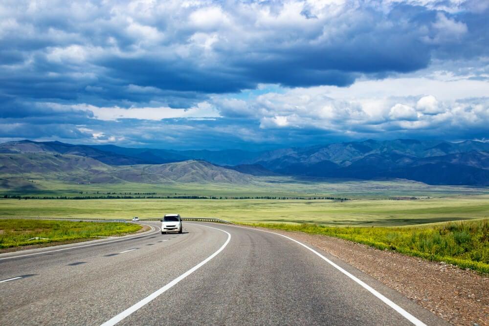 Carretera en la región de Kykyl