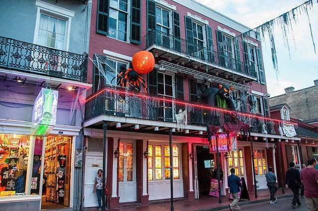 Calles de Nueva Orleans en Halloween
