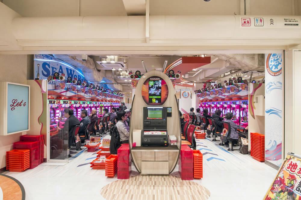 Interior de un pachinko en Japón