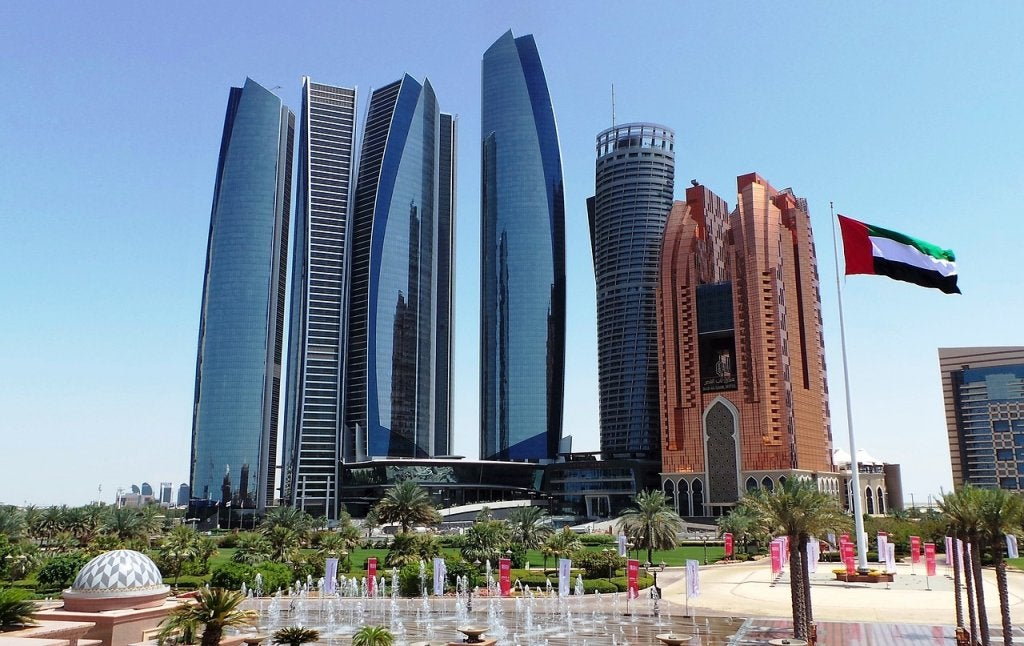 Abu Dabi en Emiratos Árabes, descubre la nueva Dubái