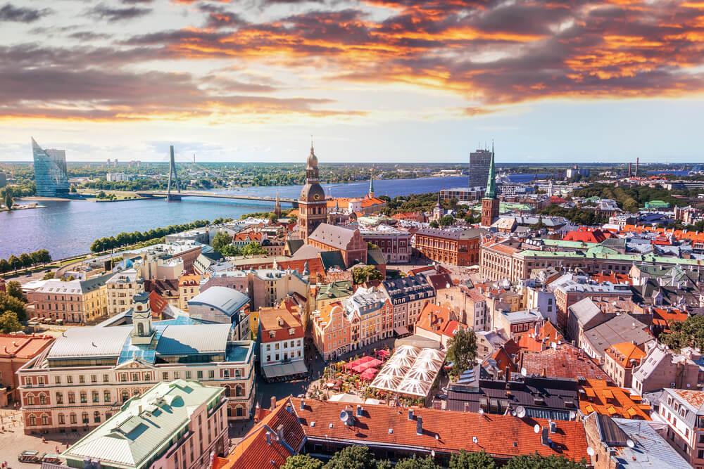 Letonia en el verano: prepara un viaje inolvidable