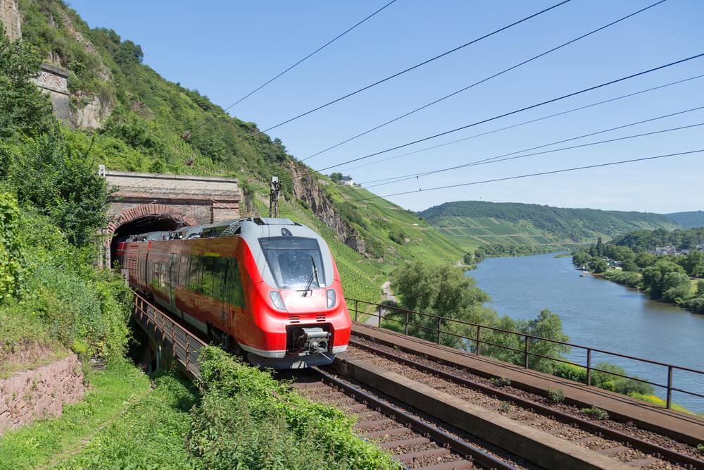 Viajar en tren por Europa, Línea ferroviaria en Almania