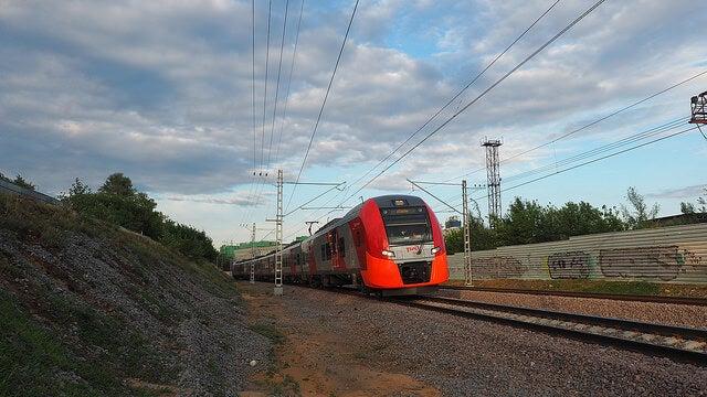 Tren de la línea MCK en Rusia