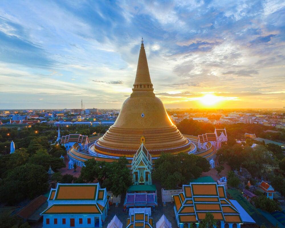 Templo Wat Phra Pathom Chedi en Tailandia