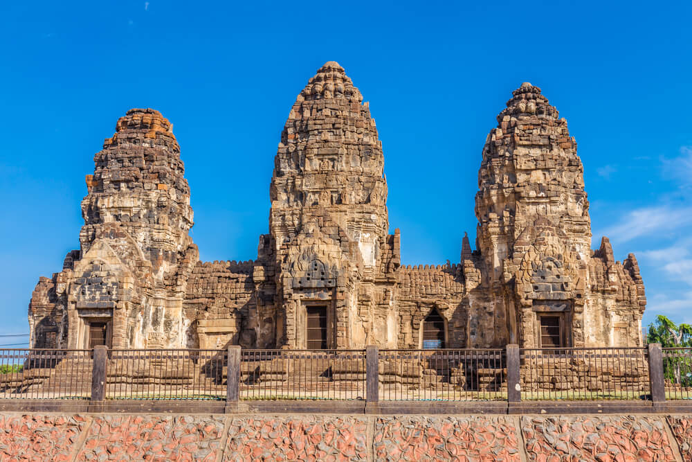 Templo Wat Phra Prang Sam Yot en Tailandia