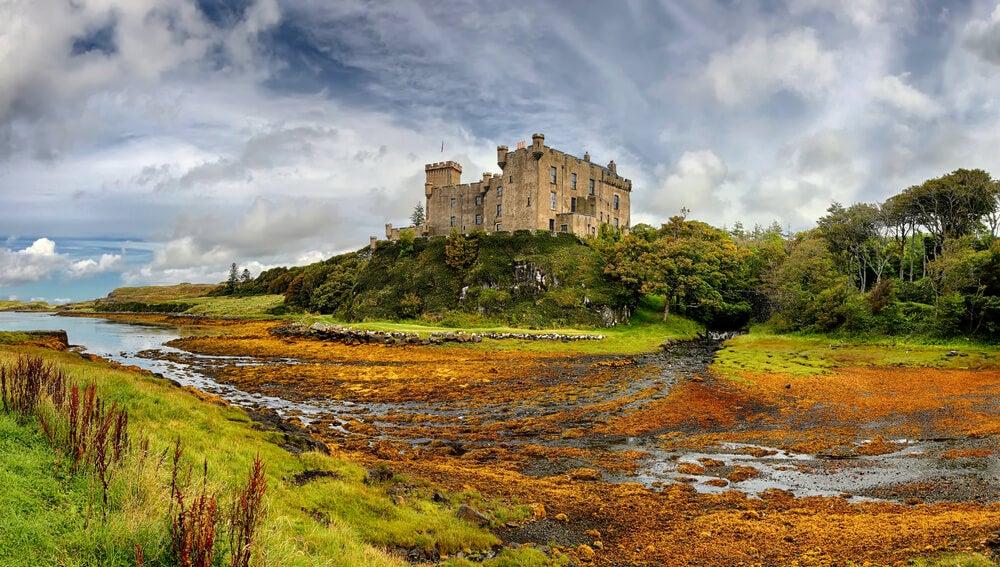 Visita el castillo de Dunvegan en la isla de Skye