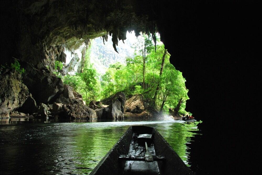 Cueva Kong Lor en Laos