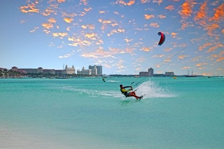 Deportista en la isla de Aruba