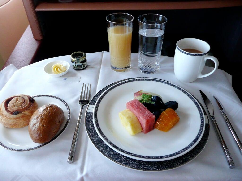 Desayuno de primera clase en Singapore Airlines