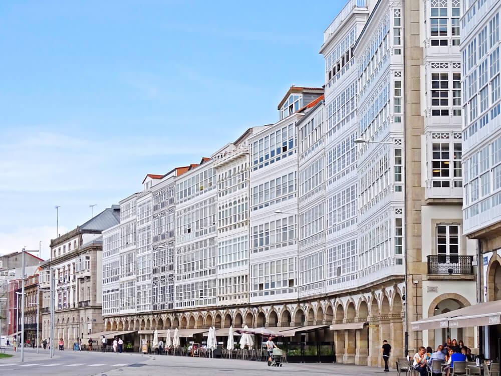 Galerías acristaladas típicas de A Coruña