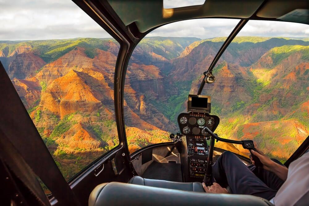 Helicóptero sobre el Gran Cañón