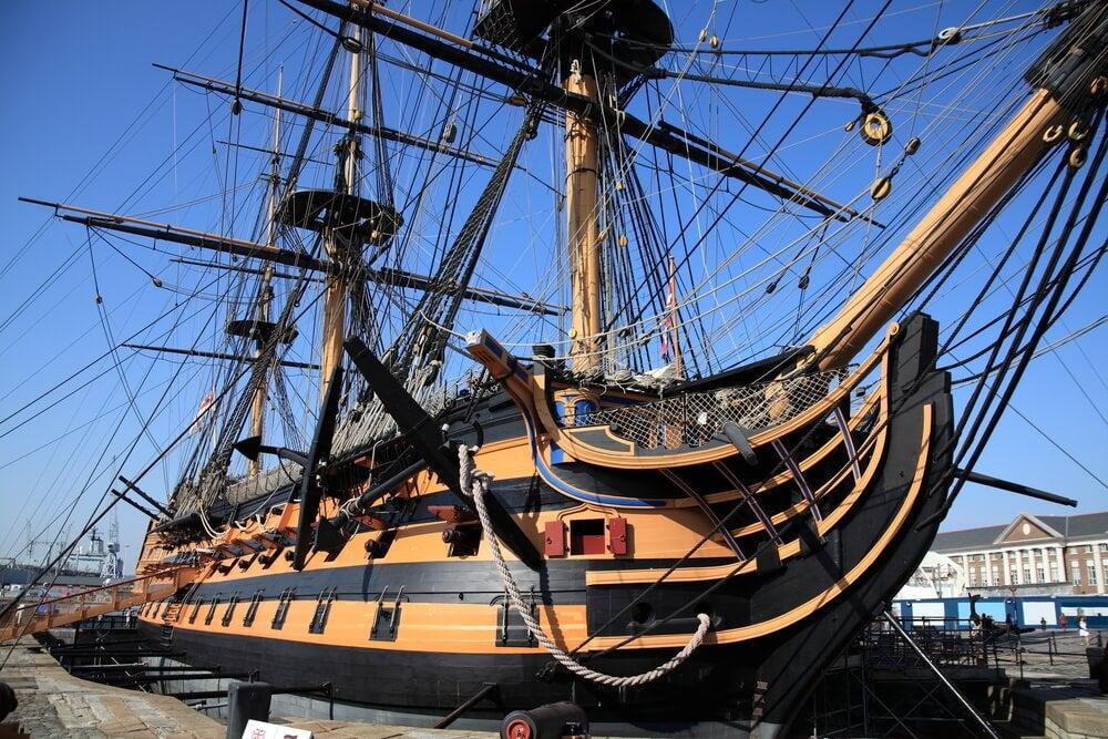 HMS Victory en el muelle histórico de Portsmouth