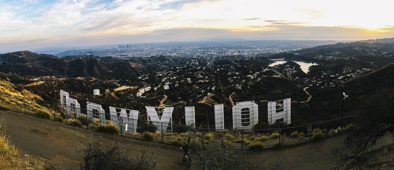 Vista de Los Ángeles desde el cartel de Hollywood