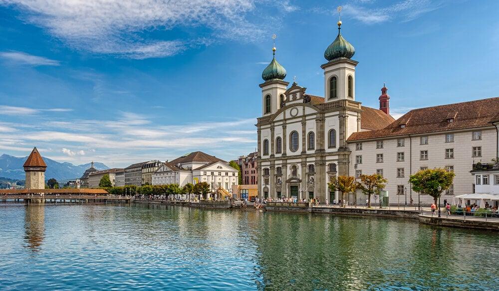 Conoce la iglesia de los Jesuitas de Lucerna