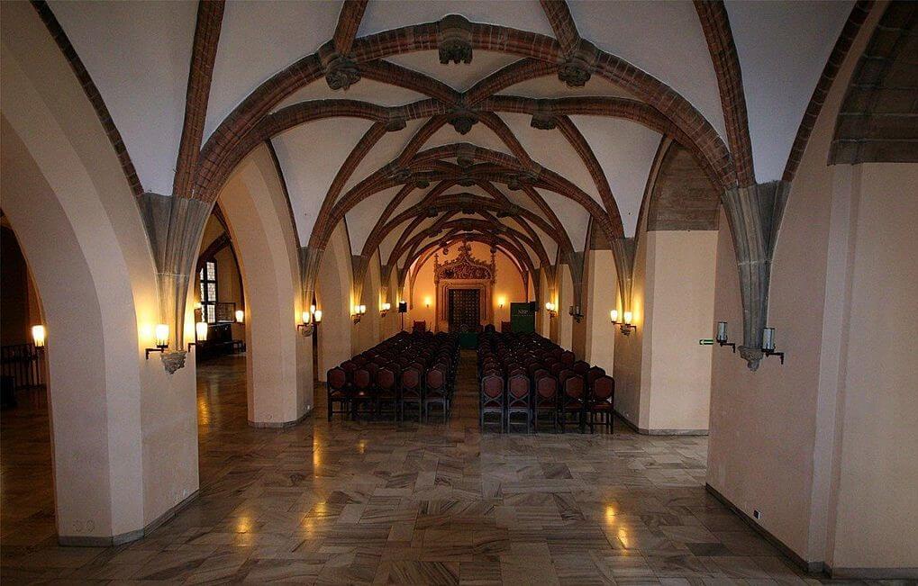 Interior del ayuntamiento de Wroclaw